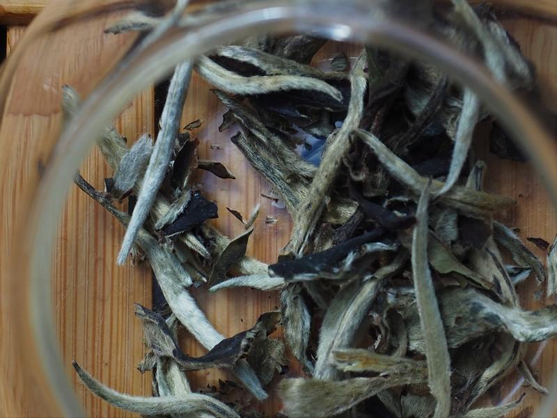 Wat is witte thee blaadjes